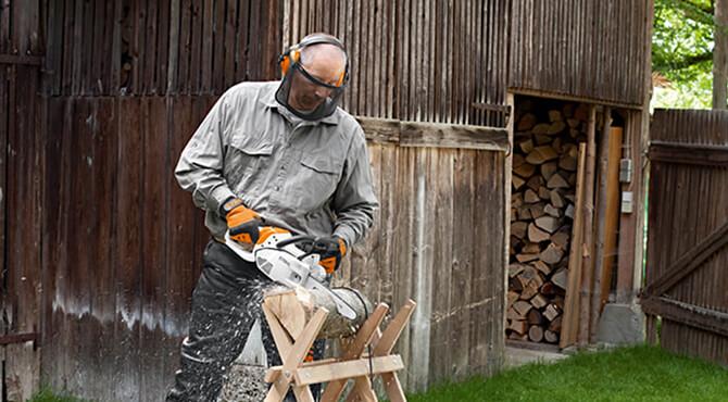 Benzin Motorsägen für Privatanwender zum Brennholzsägen und für die Grundstückspflege